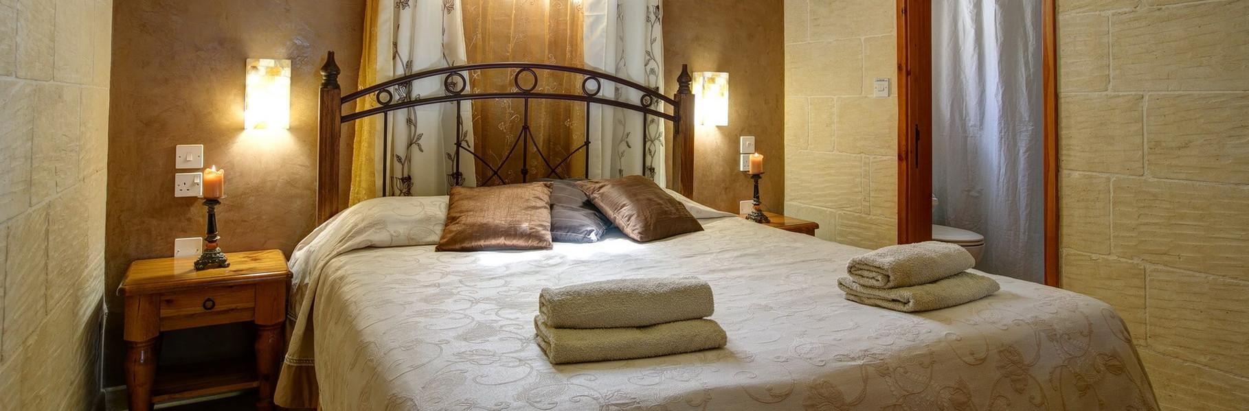 bedroom2-villa1.jpg