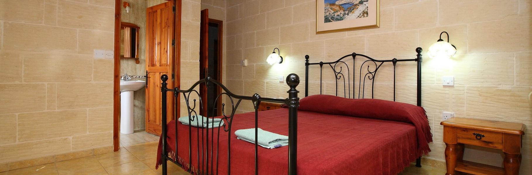 master-bedroom-villa-3.jpg
