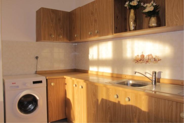 D8 kitchen
