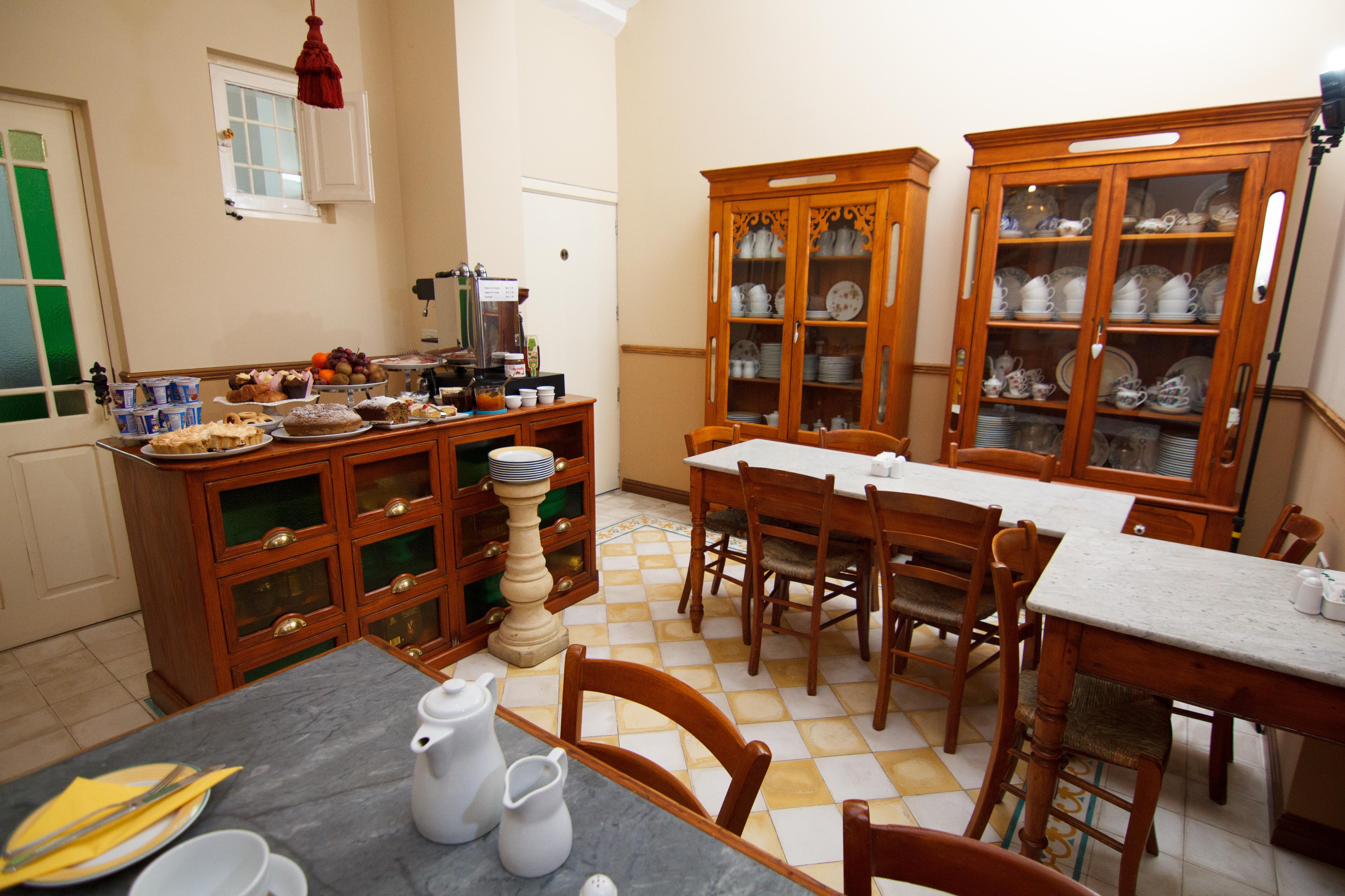 Breakfast room2