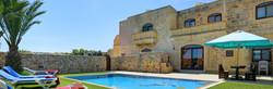 villa2-pool.jpg