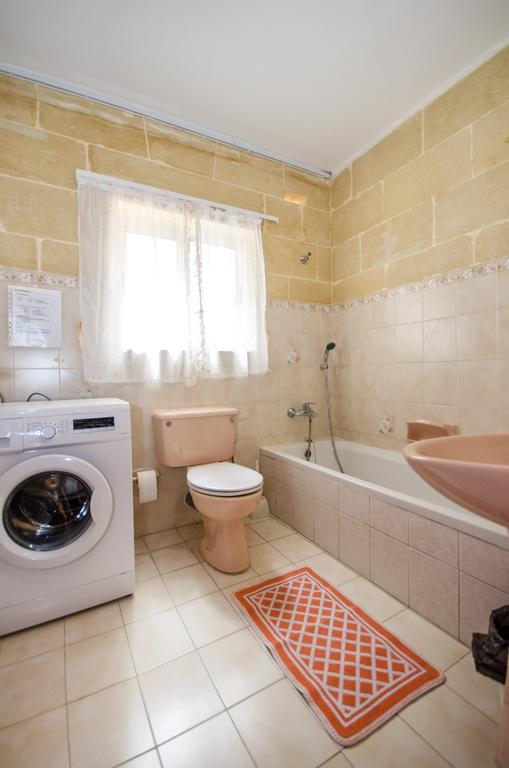 Bathroom kacc