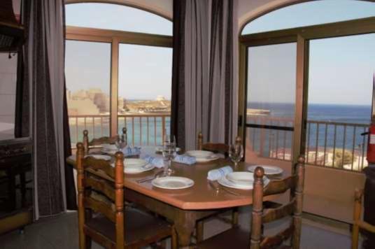 Dining Area D6