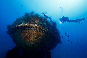 malta-wrecks-cominoland.jpg