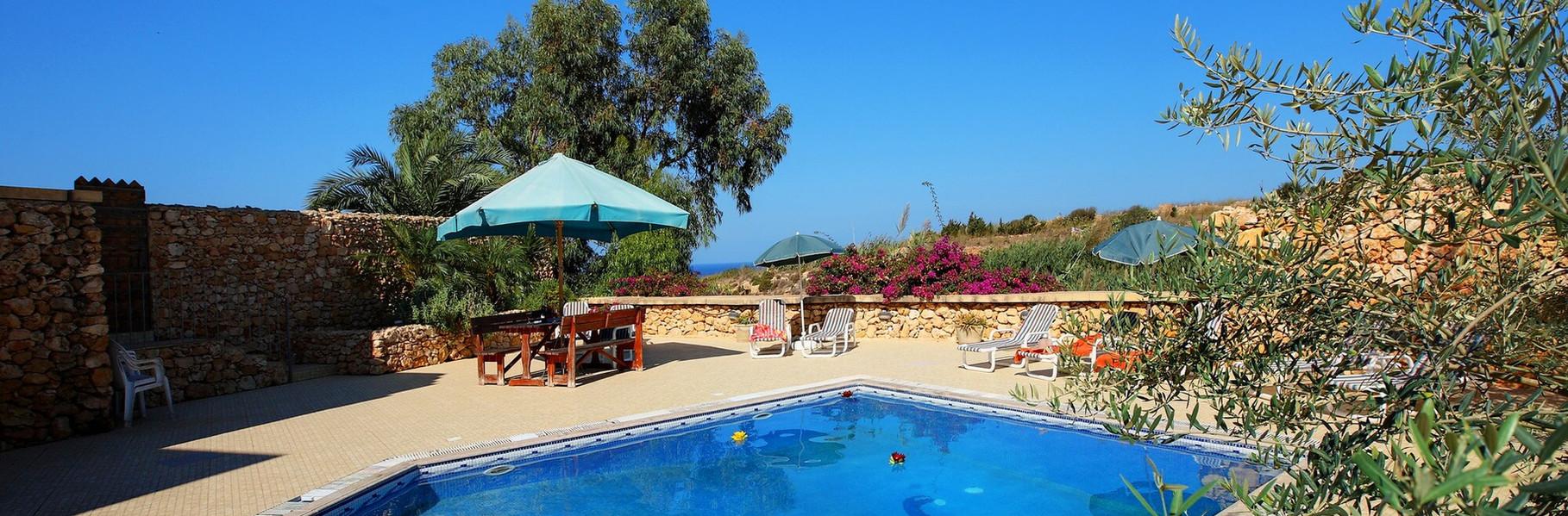 pool-and-view-villa-3-gozo.jpg