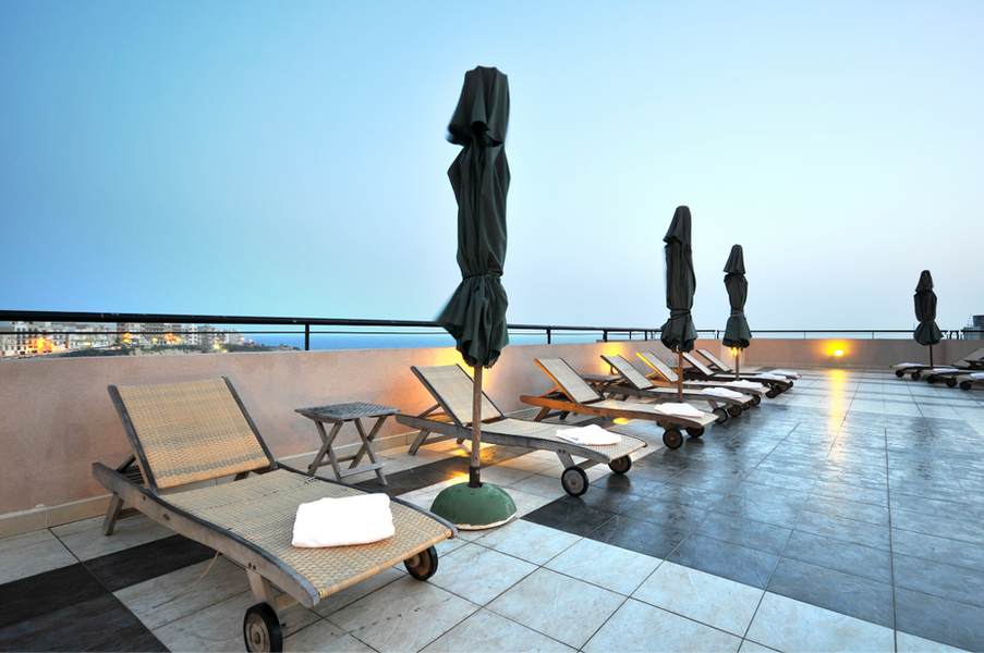 Hotel Roof Top