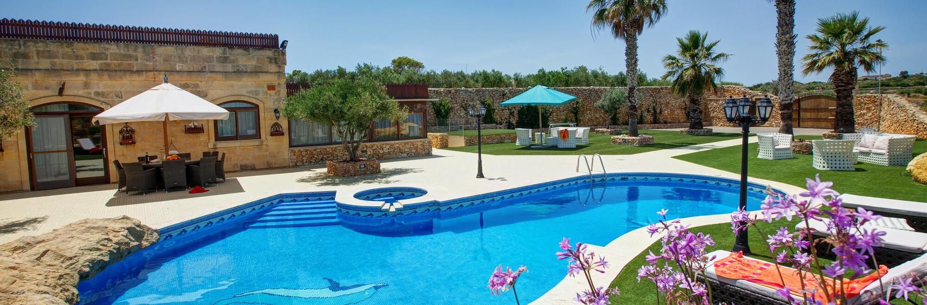 pool-farmhouse-villa-1.jpg