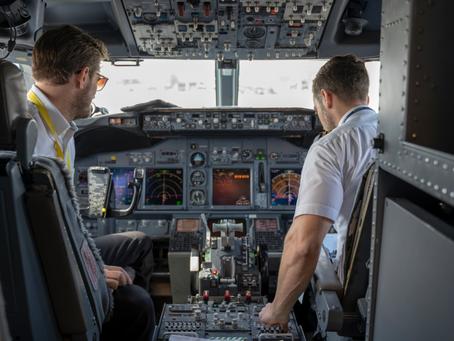EUA publicam atualizações sobre entrada de pilotos para treinamentos e translado de aeronaves