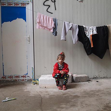 girl_refugee_camp__3107263a.jpg