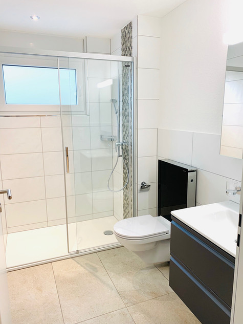 16. Moderne Dusche MFH Bettlachstrasse Grenchen