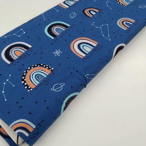 Arcoiris fondo azul