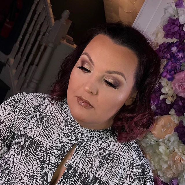 Soft glam for this beautie _curly1983_ �