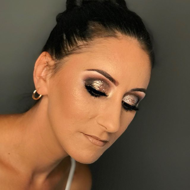 Smokey golds for Amy 😍 using _plouise1