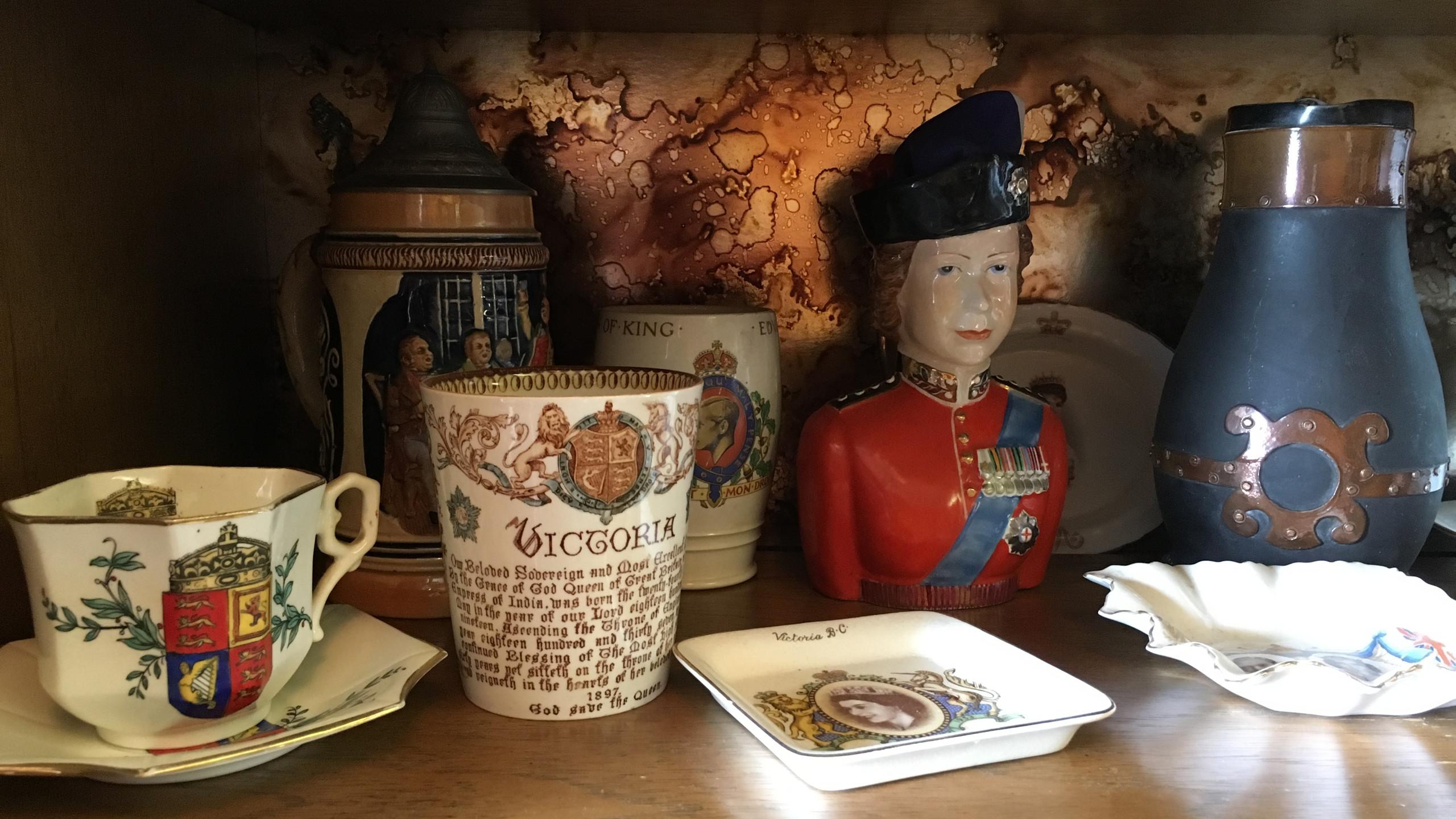 Queen Victoria Collectibles