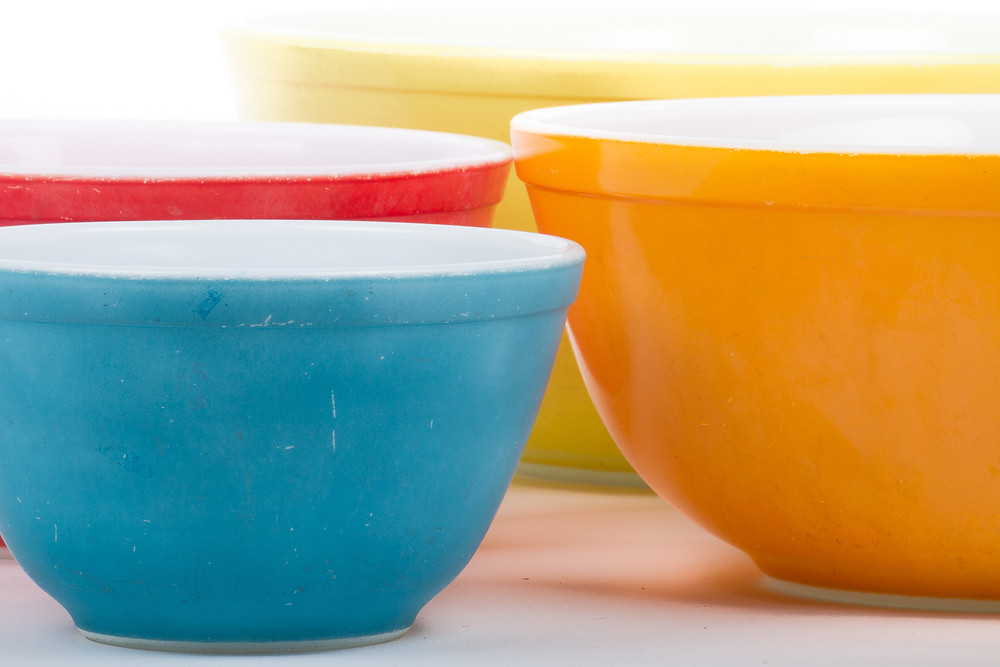 Vintage colored pyrex bowls