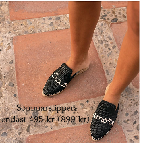 Macarena Black Slippers