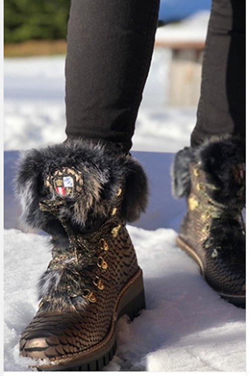 NIS winter boots  black w gold