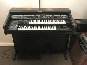 Orgel Technics light.jpg
