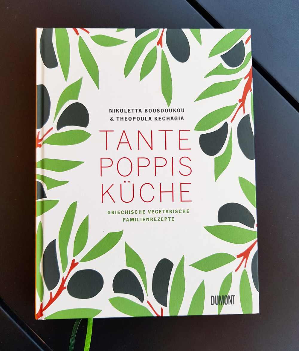 "Tante Poppis Küche"" von Nicoletta Bousdoukou und Theopula Kechagia"