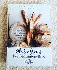 Glutenfreies_fünf_Minuten_Brot.jpg