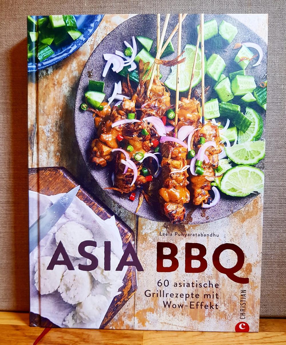 """""""Asia BBQ"""" von Leela Punyaratabandhu"""
