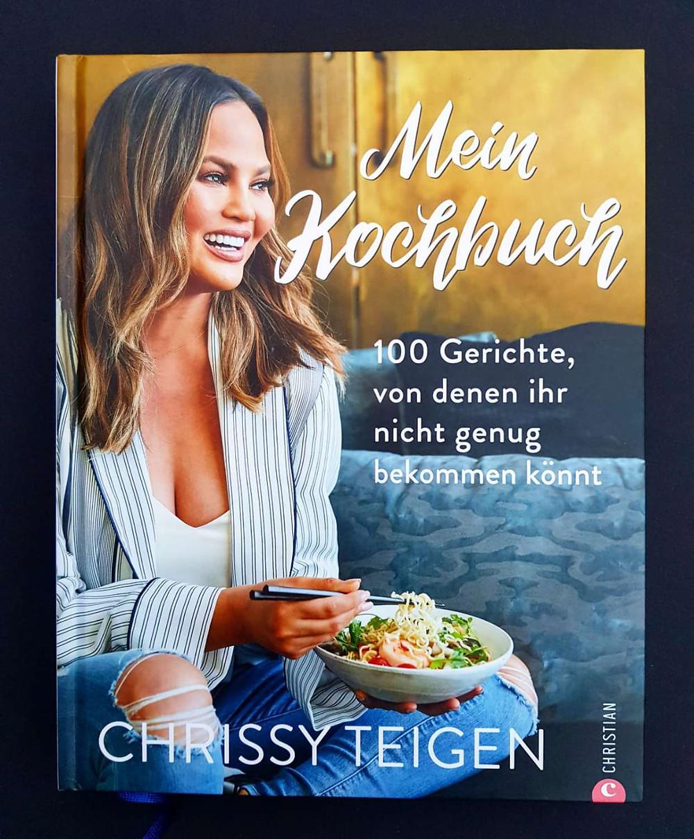 """""""Mein Kochbuch"""" von Chrissy Teigen"""