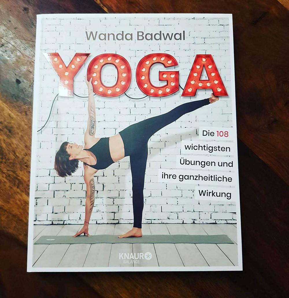 """""""Yoga""""-Buch von Wanda Badwal"""