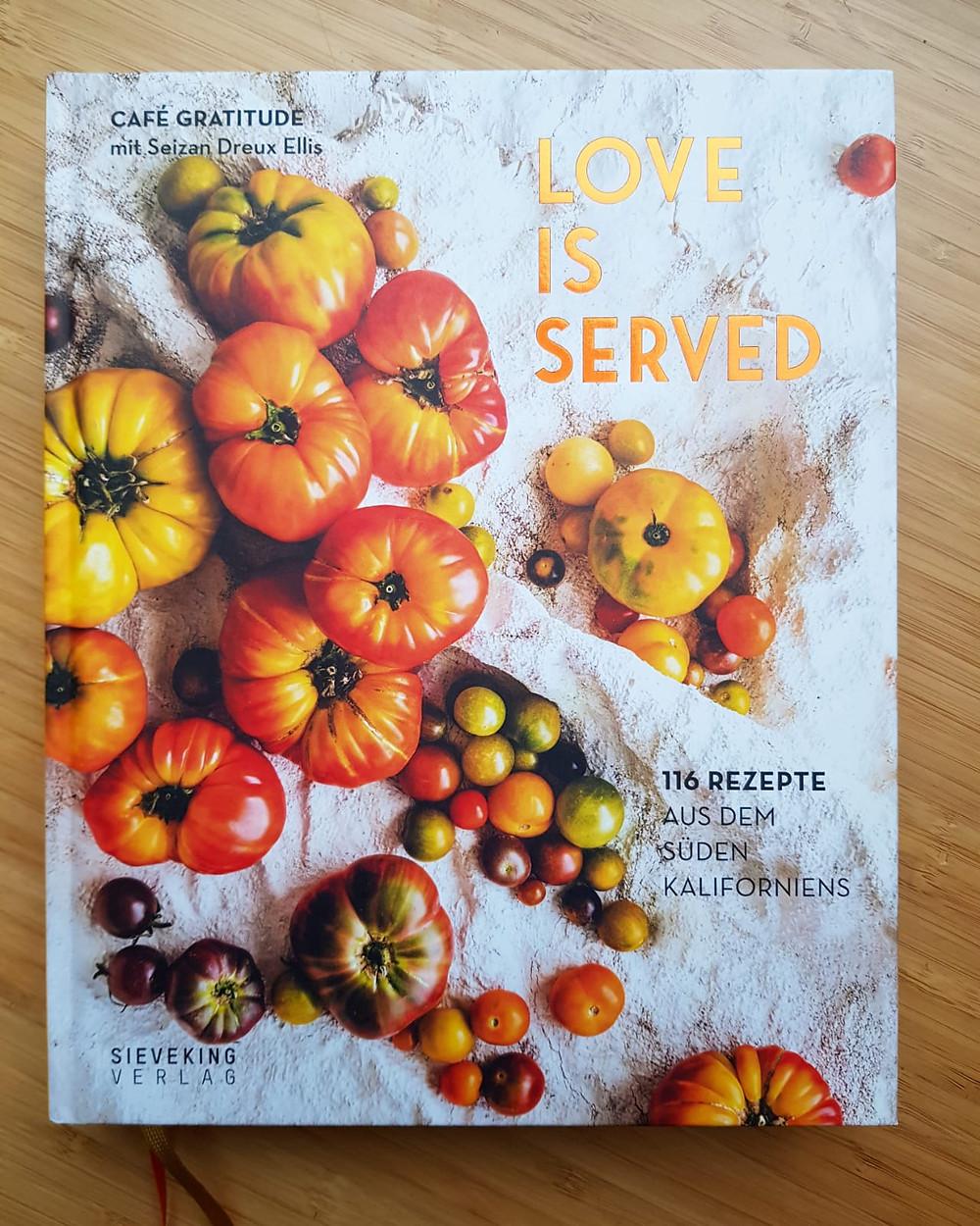 """""""Love is served"""" von Seizan Dreux Ellis und Rachel Holtzman"""