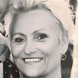 Helle Lindegaard_edited.jpg