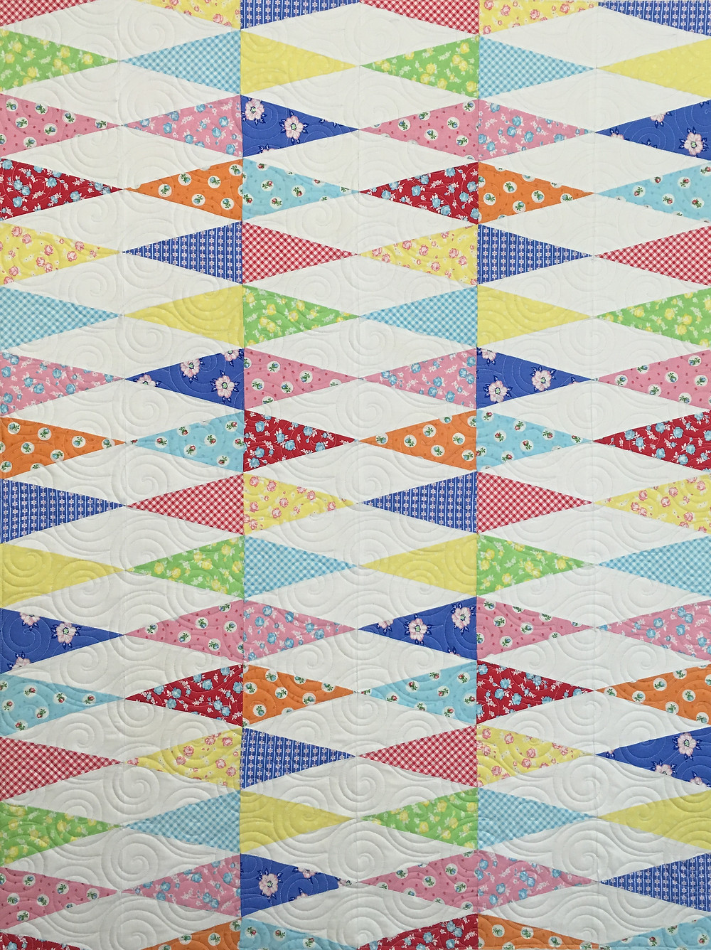 Melissa Kite Tails Quilt in pretty pastels