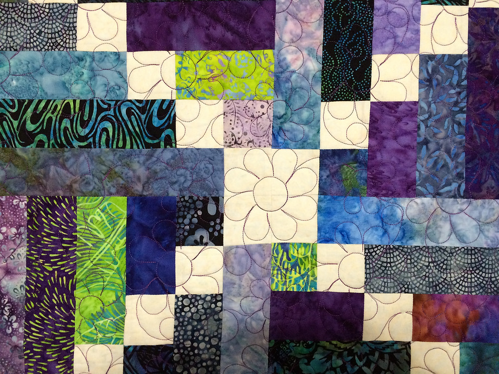 closeup of center of crossroads quilt