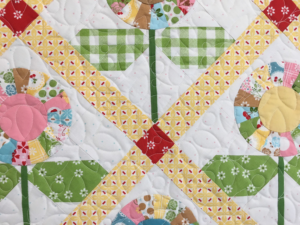Leaves Quilting Pattern on Flower Quilt by Sally Matoushek
