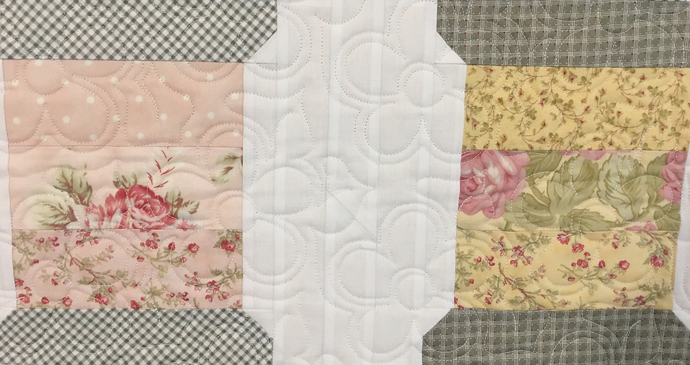 Flower quilting pattern on Spools of Thread Quilt by Deb Taylor