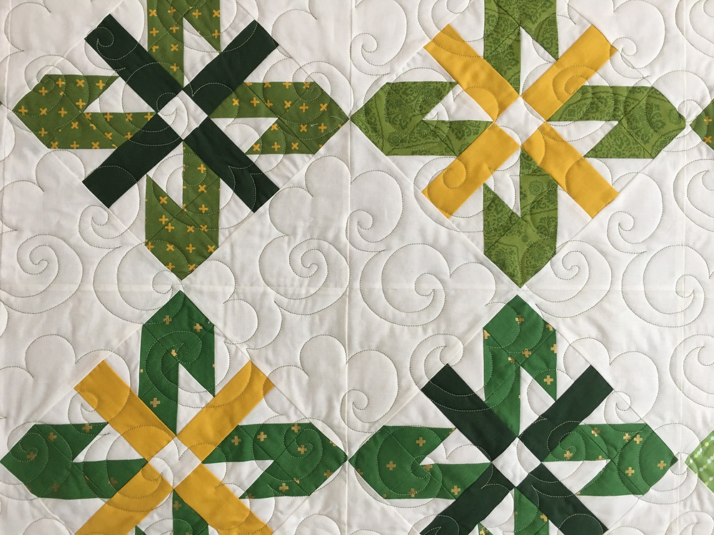 Swirls Quilting pattern on Green and Gold Sunflowers Quilt by Jocelyn Ueng