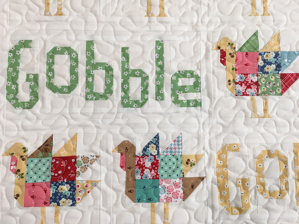 Meander quilting pattern on Gobble Gobble Quilt by Delfina Guerra