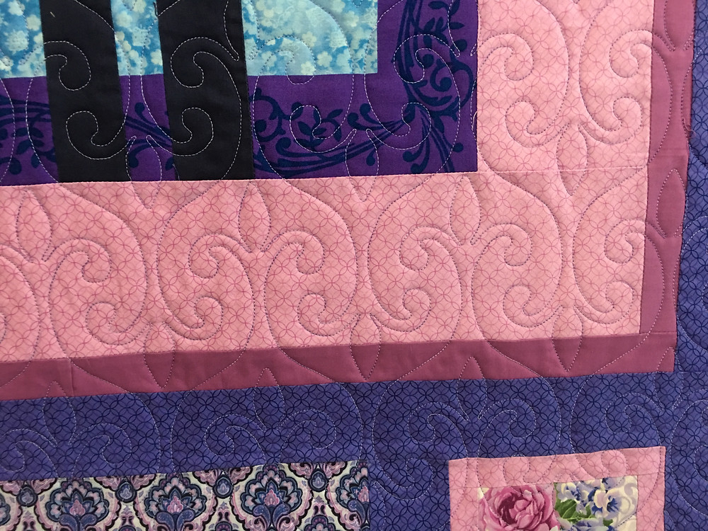 Swirls quilting pattern on Convergence Quilt by Wendy Bell