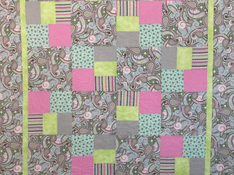 Joan Salesman Paisley in Pinks Quilt