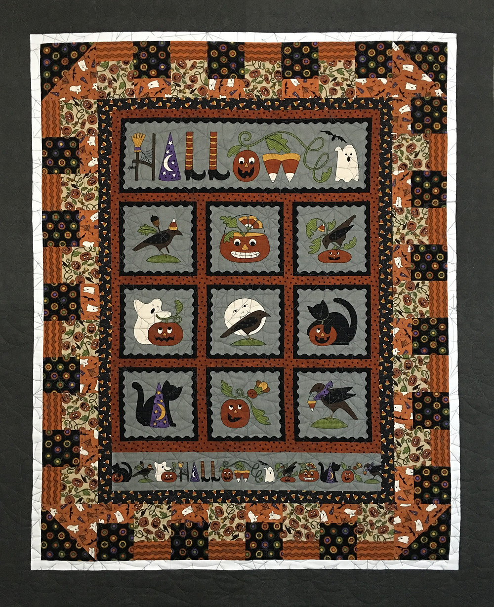 Halloween Quilt by Leslie St.Onge