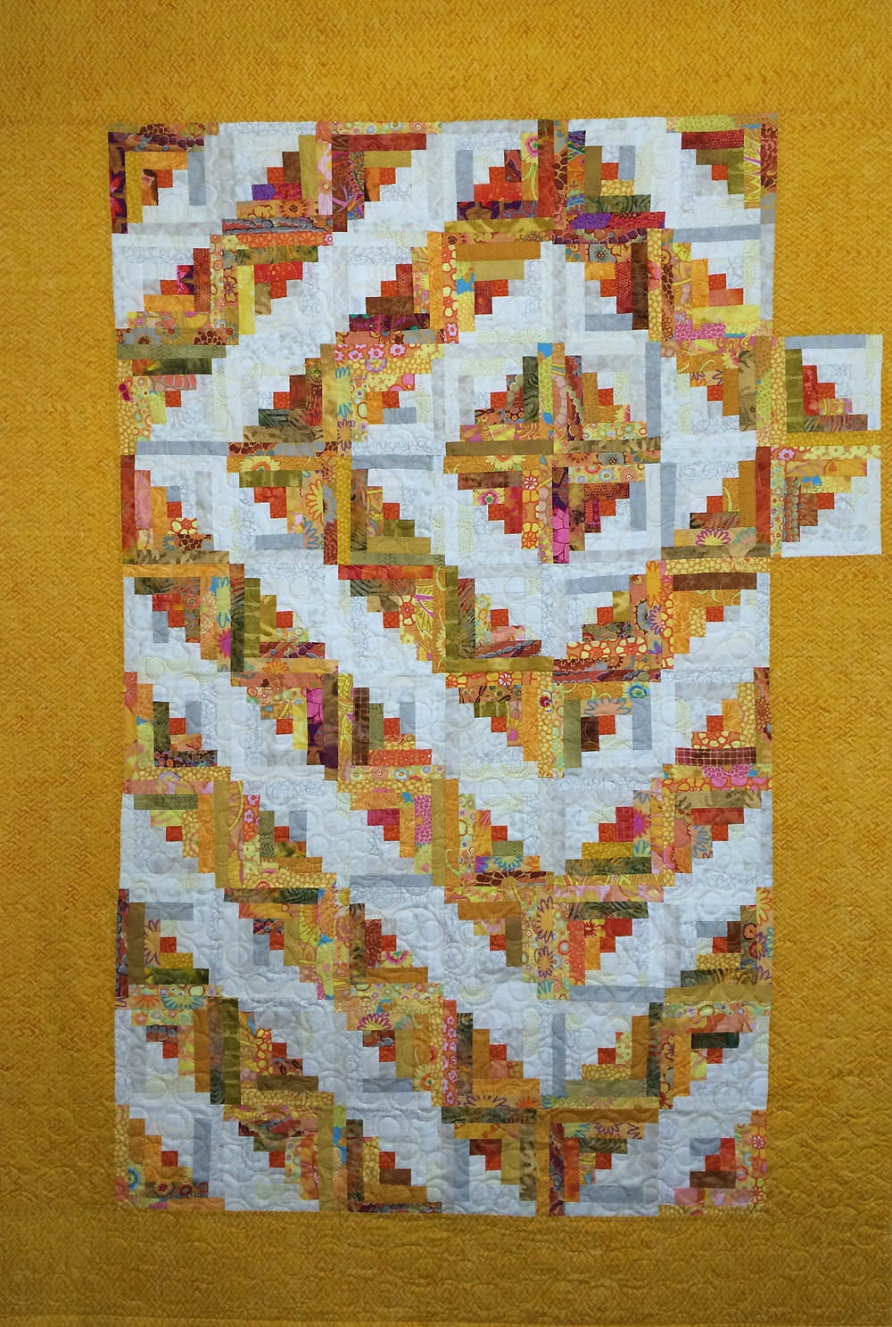 Sue ellow and White Log Cabin Quilt