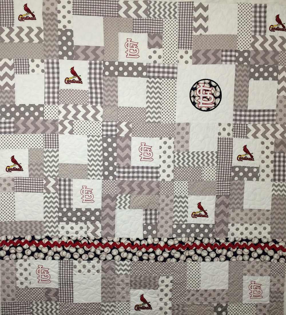 St Louis Cardinals quilt in shades of gray with baseball quilting