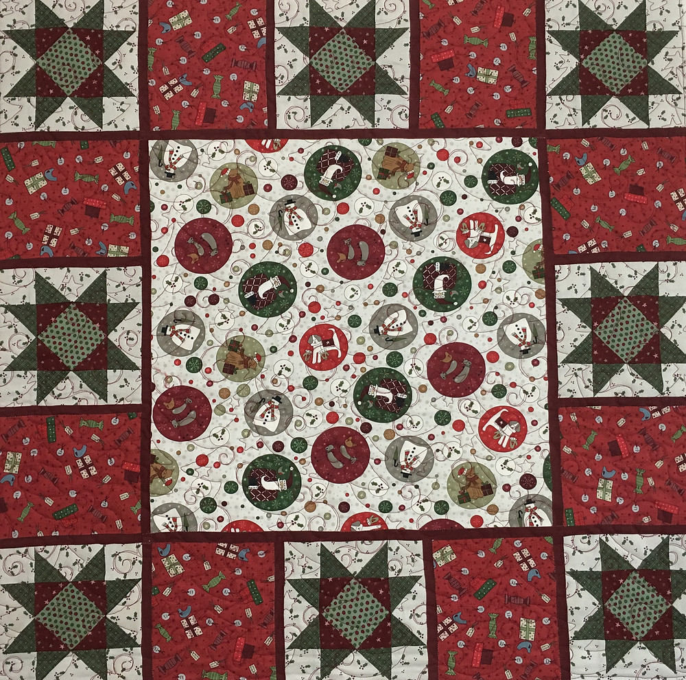 Christmas Table Topper Quilt by Cynthia Parra