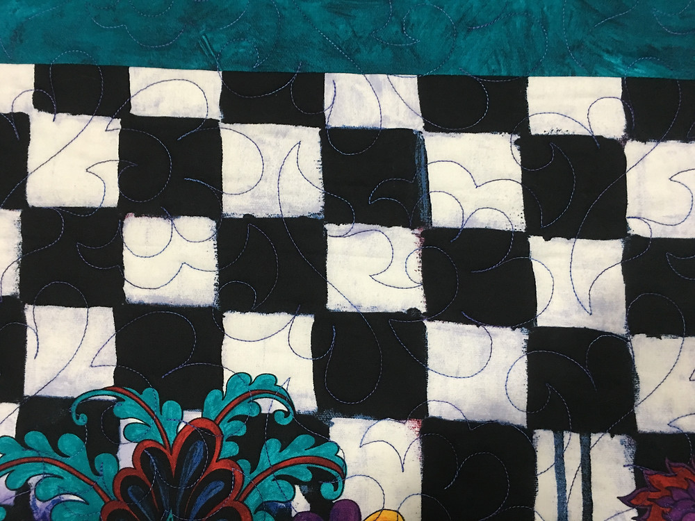 Feather quilting pattern on Wonderland Quilt by Beth Robertson