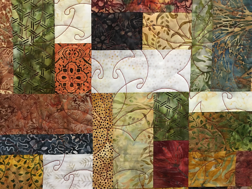 Curves Quilting Pattern in Bits and Pieces Quilt by Aline Babin
