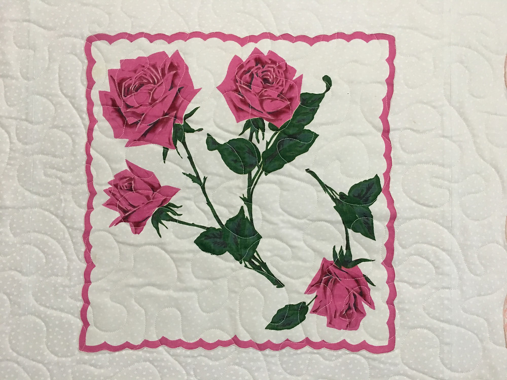 Meander Quilting Pattern on Pink Hankie Quilt by Susan Abram