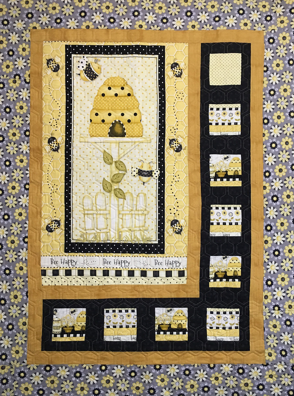 Bee Happy Quilt by Wendy Bell