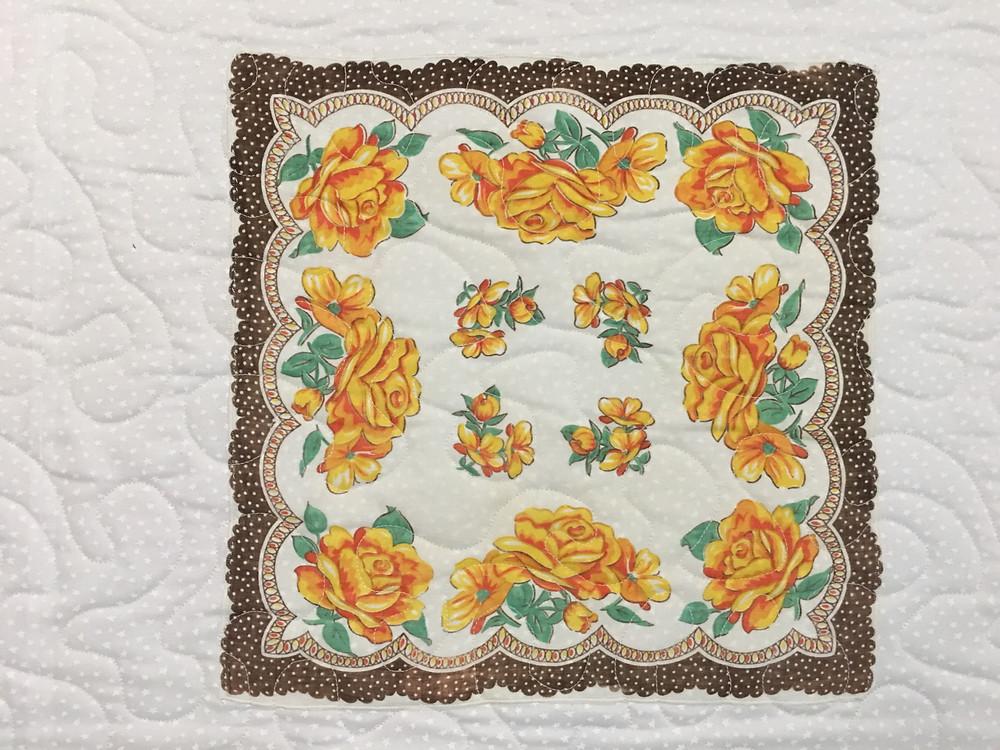 Meander Quilting pattern on Brown Hankie Quilt by Susan Abram