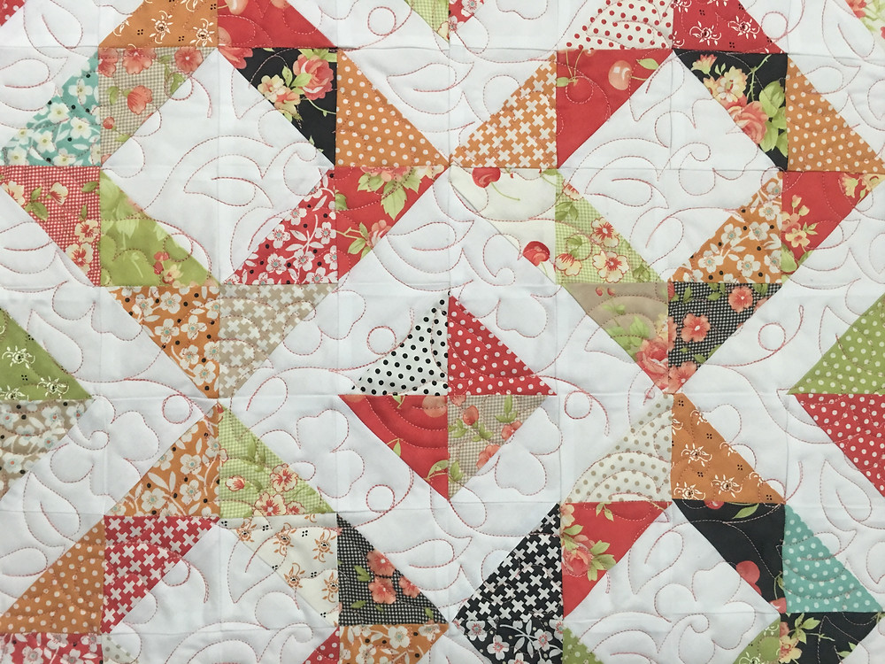 close up of Cindy Diamond Quilt with floral border