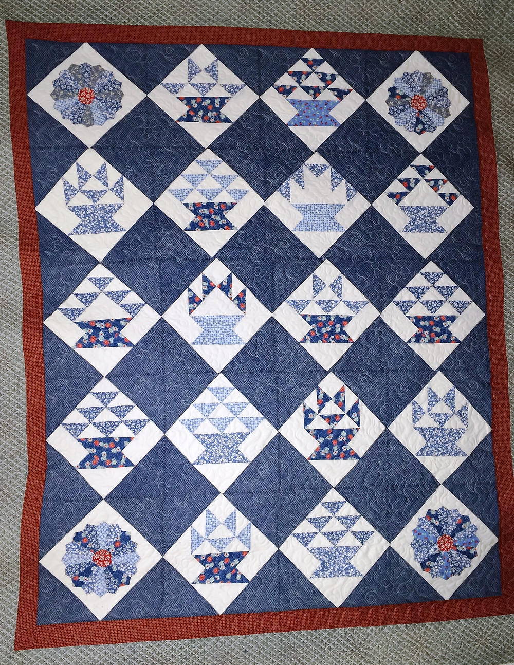 Red White and Blue Flower Baskets Quilt by Sue Lindsay
