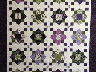 Mary Derryberry Quatrefoil Missouri Star Quilt