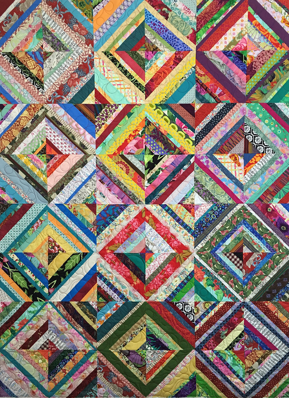 Jean Colorful Scrappy Quilt in brights